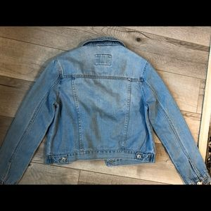 Forever 21 Jackets & Coats - Forever 21 blue button down jean denim jacket s